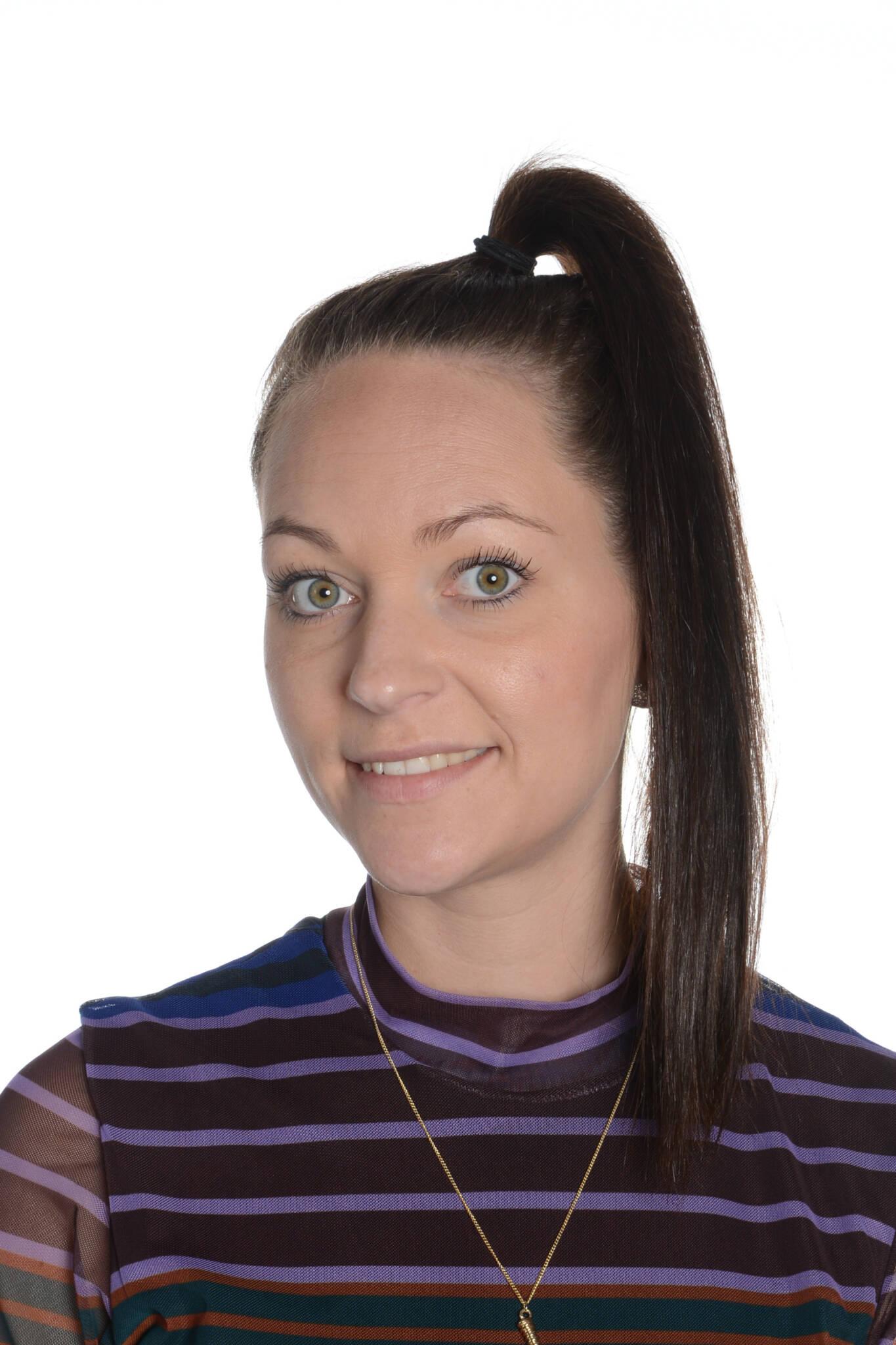 Julie Kahr Vestergaard, JK